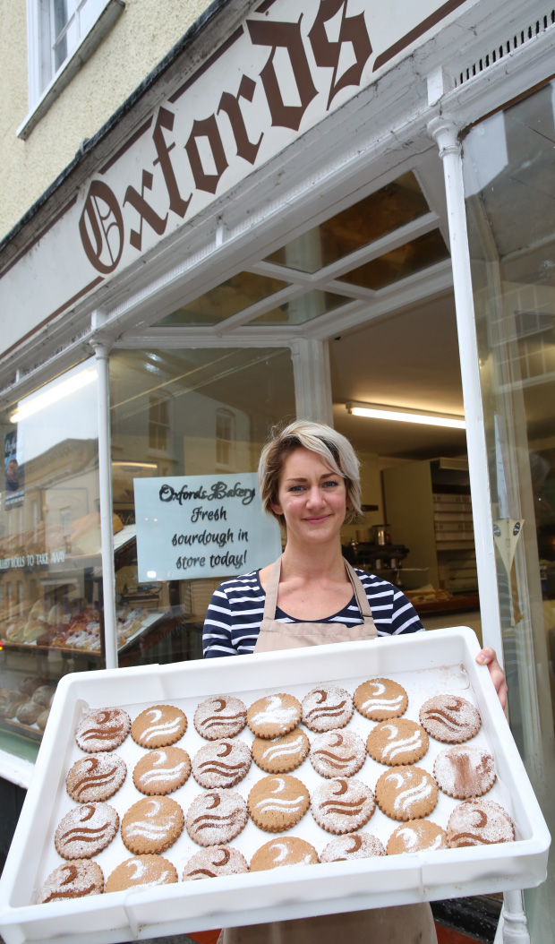 Sherborne celebrates romance of Sir Walter Raleigh with special walk & new biscuit and sour dough from Town's oldest bakery